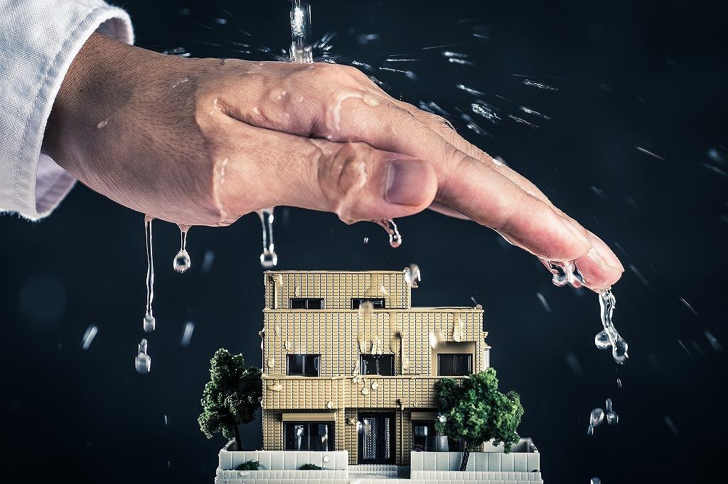 雨漏り補修工事で大幅に修繕費を抑えられるってホント?